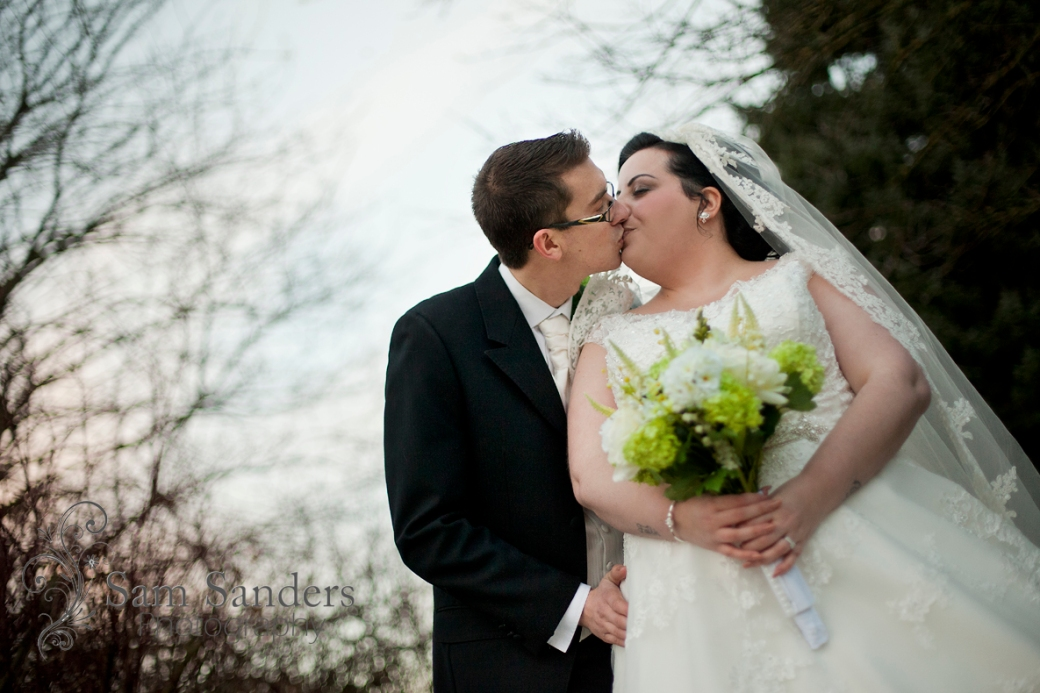 sam-sanders-photography-wedding-photographer-haydock-holiday-inn-merseyside-web-003