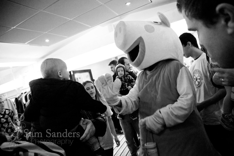 sam-sanders-photography-wigan-photographer-wigan-leigh-hospice-holland-hall-charity-christmas-fair-web-jpg-010