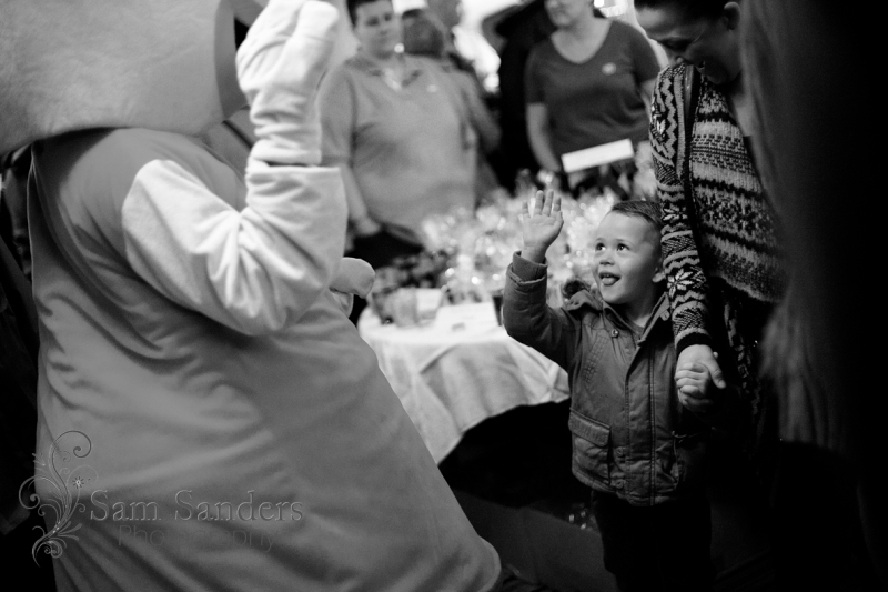 sam-sanders-photography-wigan-photographer-wigan-leigh-hospice-holland-hall-charity-christmas-fair-web-jpg-013
