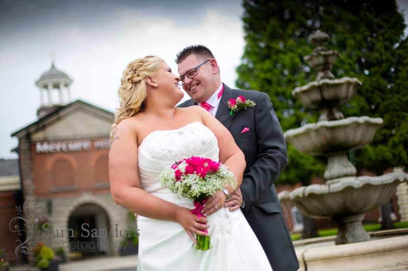 sam-sanders-photography-wedding-photographer-mercure-hotel-haydock-web-001