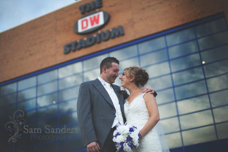 sam-sanders-photography-wedding-photographer-dw-stadium-wigan-web-004