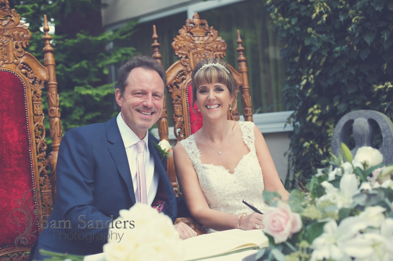 sam-sanders-photography-wedding-photographer-hallmark-hotel-bestwestern-firgrove-web-001