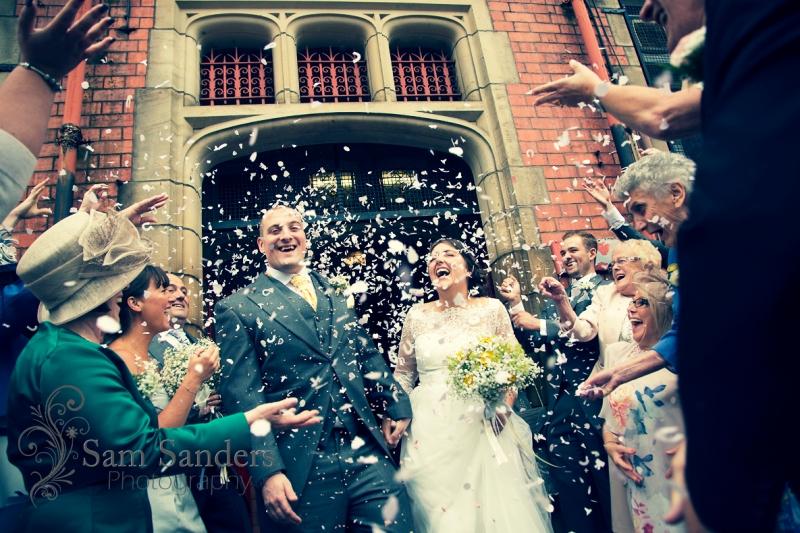 sam-sanders-photography-wedding-photographer-theoldcourts-wigan-towncenter-web-002