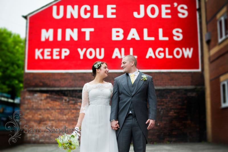sam-sanders-photography-wedding-photographer-theoldcourts-wigan-towncenter-web-003