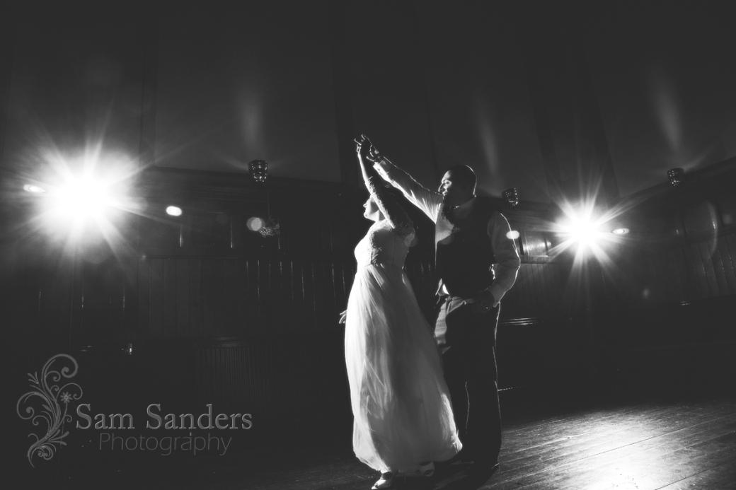 sam-sanders-photography-wedding-photographer-theoldcourts-wigan-towncenter-web-004