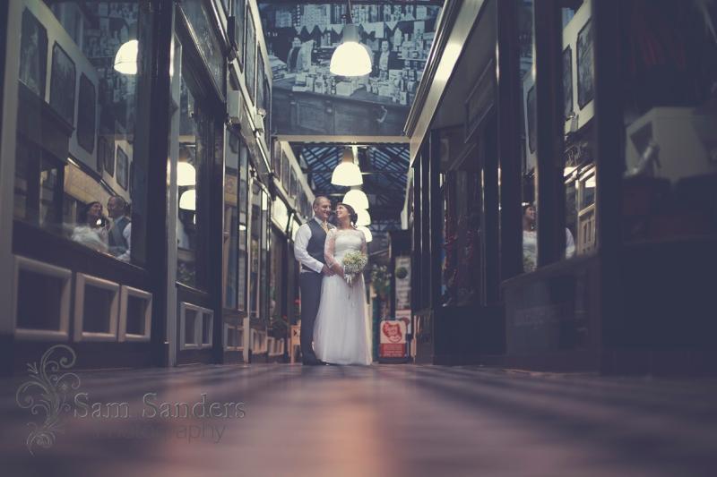 sam-sanders-photography-wedding-photographer-theoldcourts-wigan-towncenter-web-005