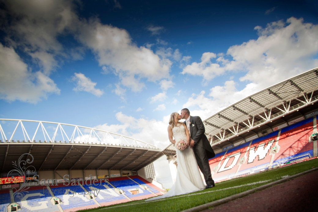 sam-sanders-photography-wigan-photographer-wedding-dwstadium-churchceremony-web-002