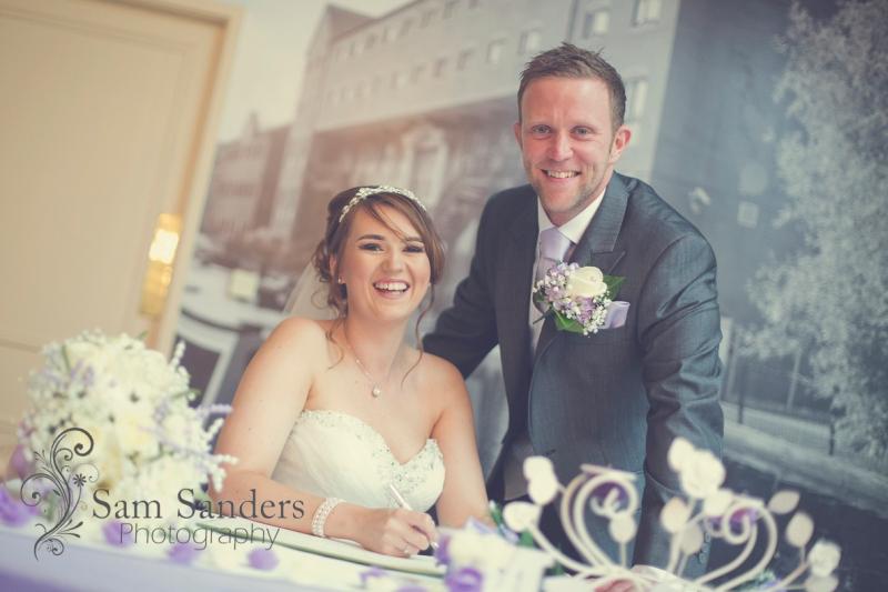 sam-sanders-photography-wigan-photographer-wedding-mercure-oak-hotel-civil-ceremony-web-001