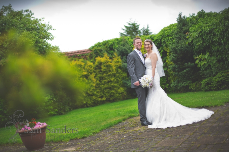 sam-sanders-photography-wigan-photographer-wedding-mercure-oak-hotel-civil-ceremony-web-003