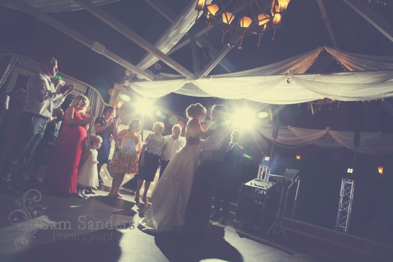 sam-sanders-photography-wigan-photographer-wedding-civilceremony-bartlehall-reception-web-556