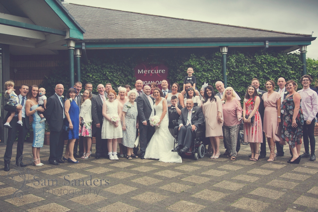 sam-sanders-photography-wigan-photographer-wedding-mercure-oakhotel-ceremony-mesnespark-web-004