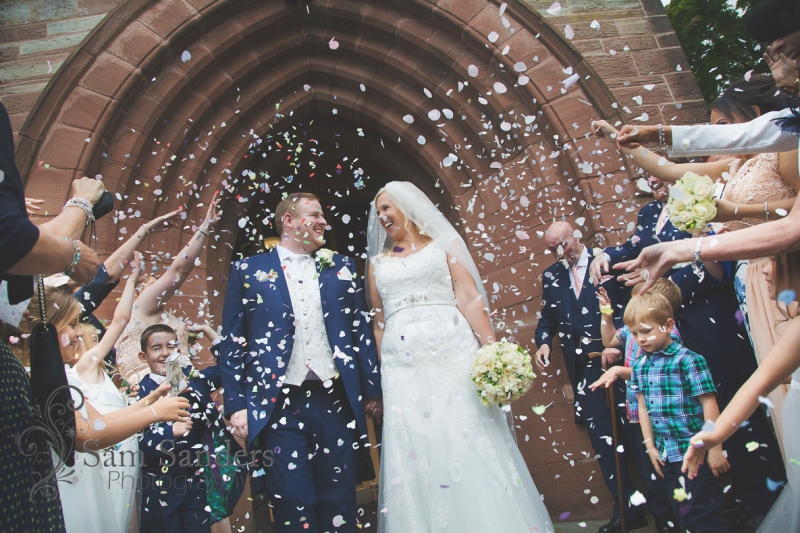 sam-sanders-photography-wigan-photographer-wedding-church-ceremony-birkenhead-hiltonhotel-web-350