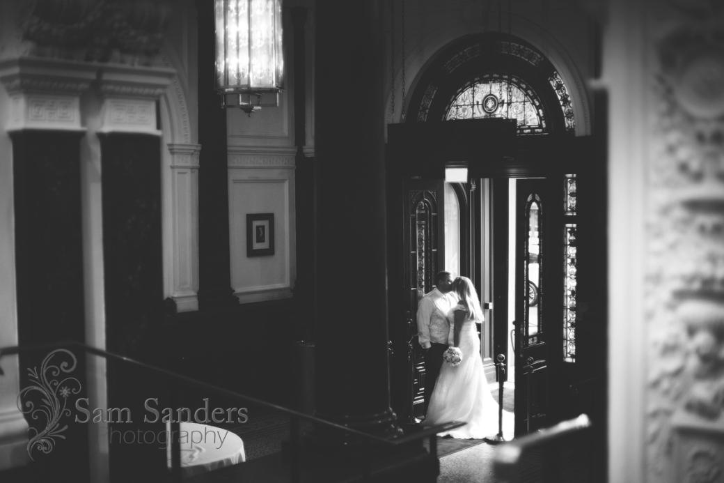 sam-sanders-photography-wigan-photographer-wedding-church-ceremony-birkenhead-hiltonhotel-web-537