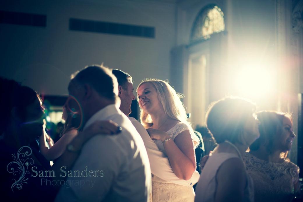 sam-sanders-photography-wigan-photographer-wedding-church-ceremony-birkenhead-hiltonhotel-web-594