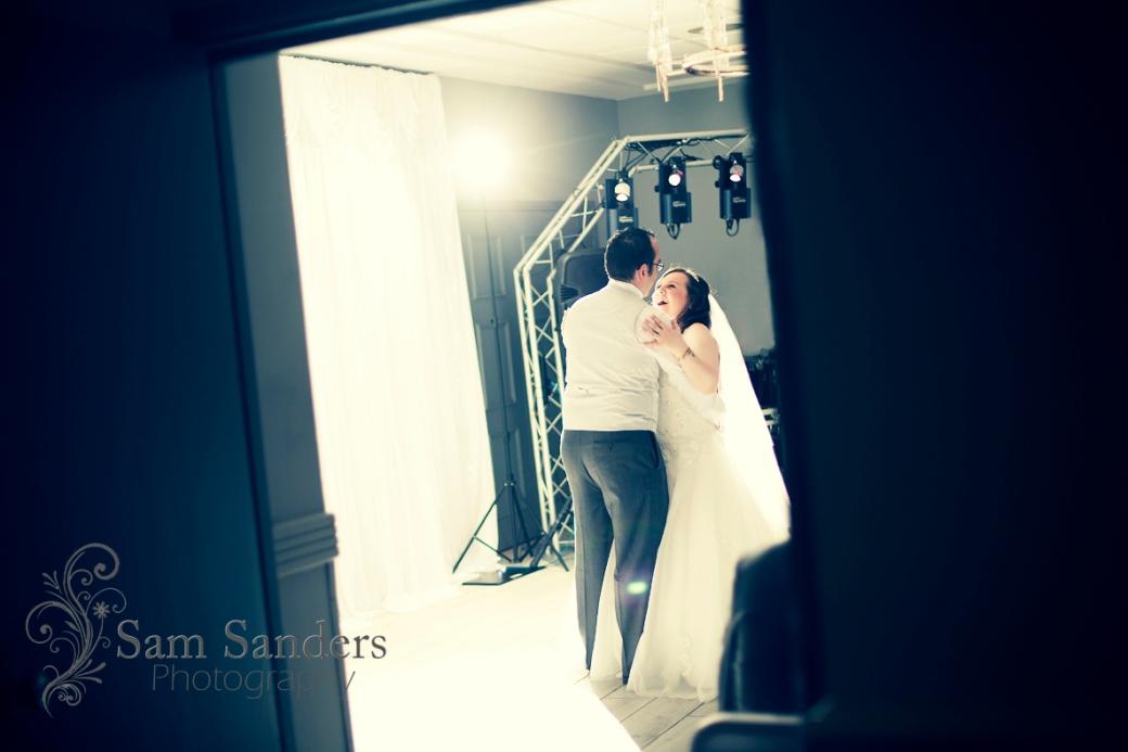 sam-sanders-photography-wigan-photographer-wedding-civil-ceremony-mercure-oakhotel-wigan-web-427