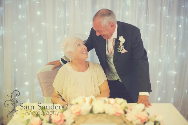 sam-sanders-photography-wigan-photographer-wedding-kilheycourt-macdonald-hotel-web-076