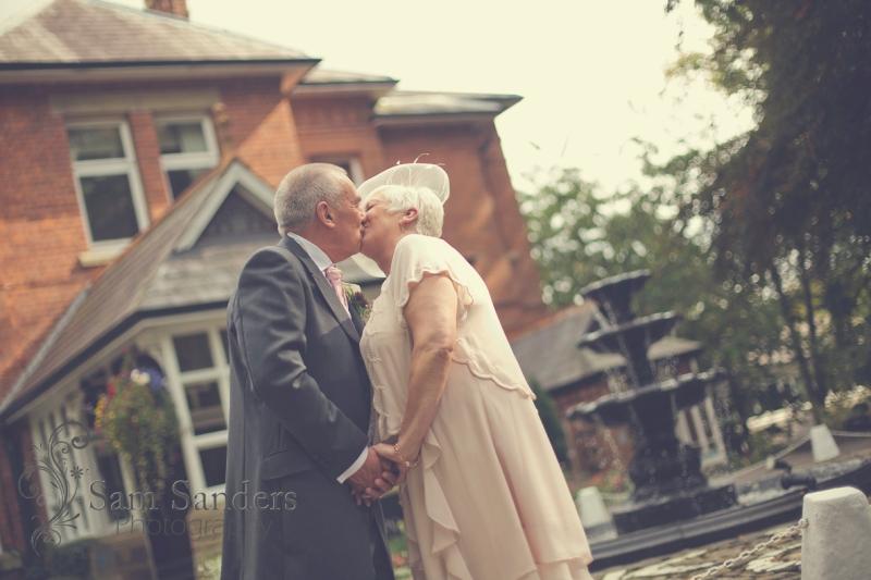 sam-sanders-photography-wigan-photographer-wedding-kilheycourt-macdonald-hotel-web-152