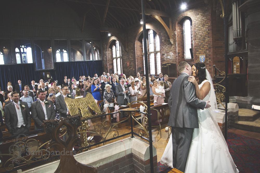sam-sanders-photography-wigan-photographer-wedding-bestwesternplus-lancashiremanor-web-001