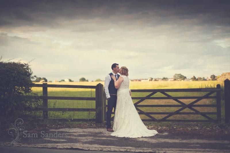 sam-sanders-photography-wigan-photographer-wedding-wrightington-country-club-spa-web-365