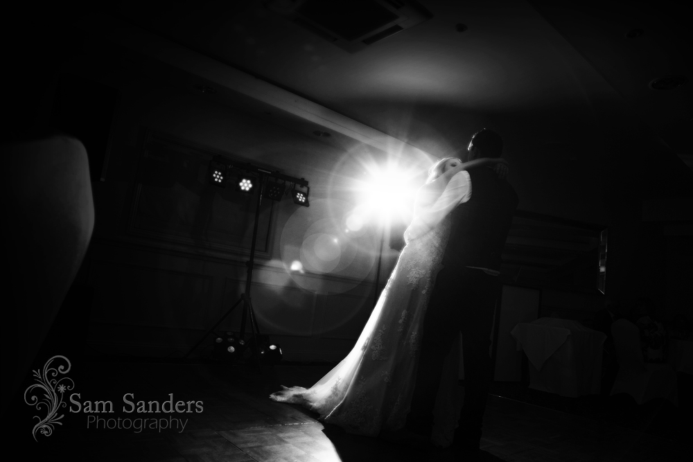 sam-sanders-photography-wigan-photographer-wedding-wrightington-country-club-spa-web-392
