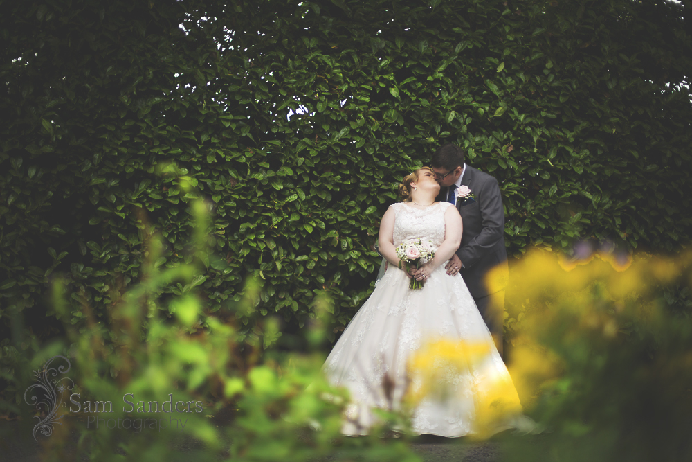 sam-sanders-photography-wigan-photographer-wedding-hollandhall-hotel-web-393