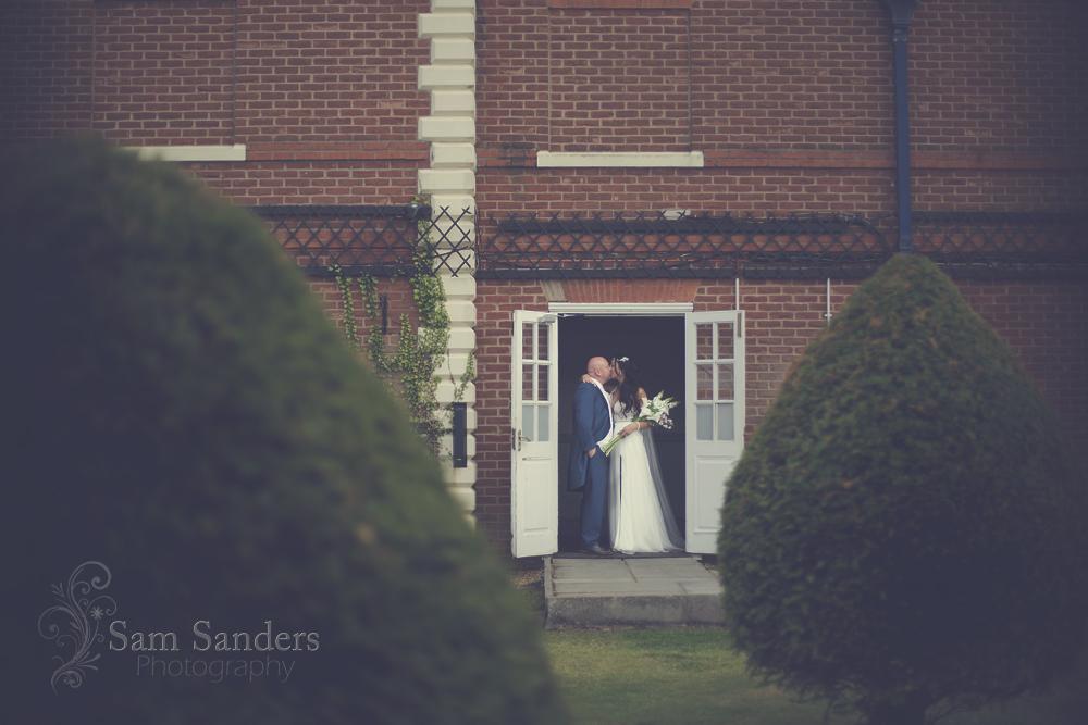 sam-sanders-photography-wigan-photographer-wedding-mercure-haydock-hotel-web-415