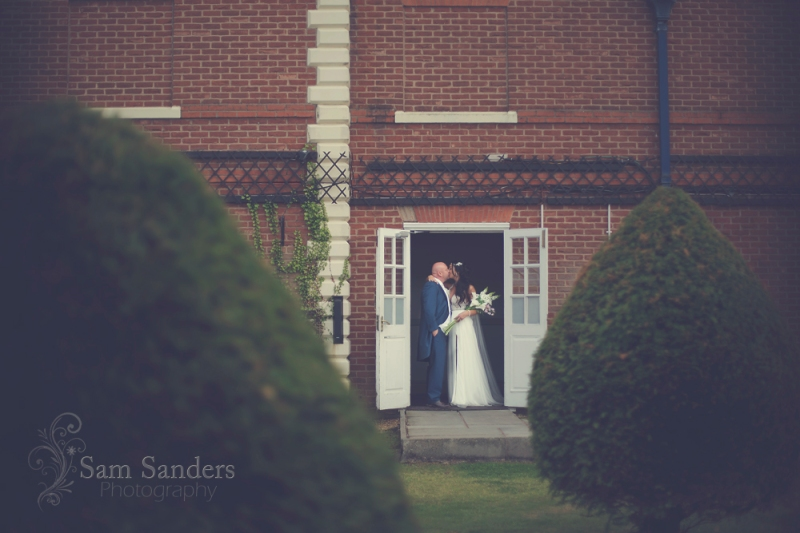 sam-sanders-photography-wigan-photographer-wedding-mercure-haydock-hotel-web-415