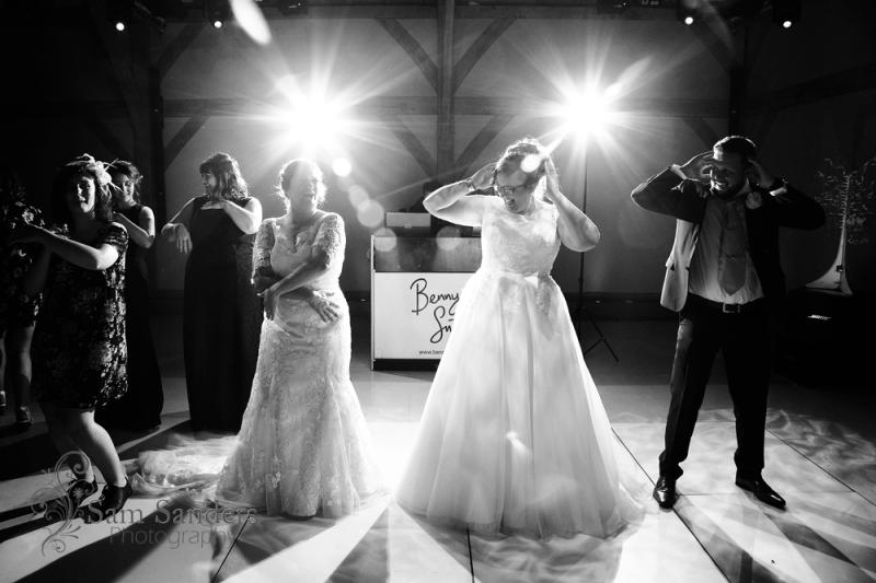 sam-sanders-photography-wigan-photographer-wedding-redhousebarn-web-622