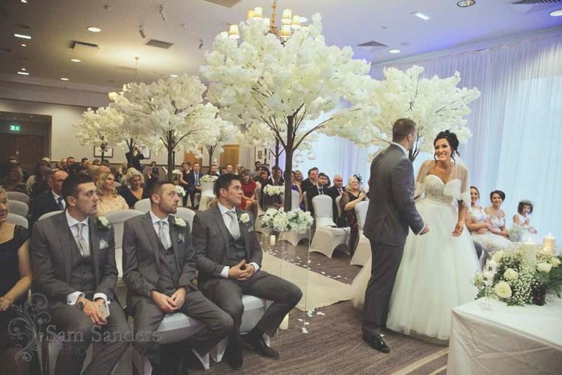 sam-sanders-photography-wigan-photographer-wedding-macdonald-kilheycourt-hotel-blog-122